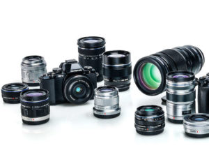 aparat i kilka obiektywów