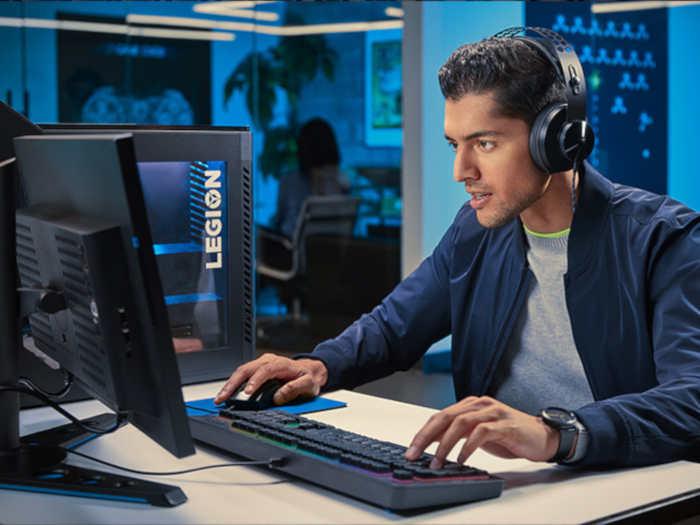 gracz przy PC
